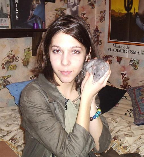 Avec ma deuxième ratte: Skizo la pouic !